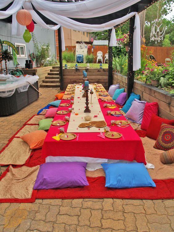 Decoração árabe colorida para festa no jardim
