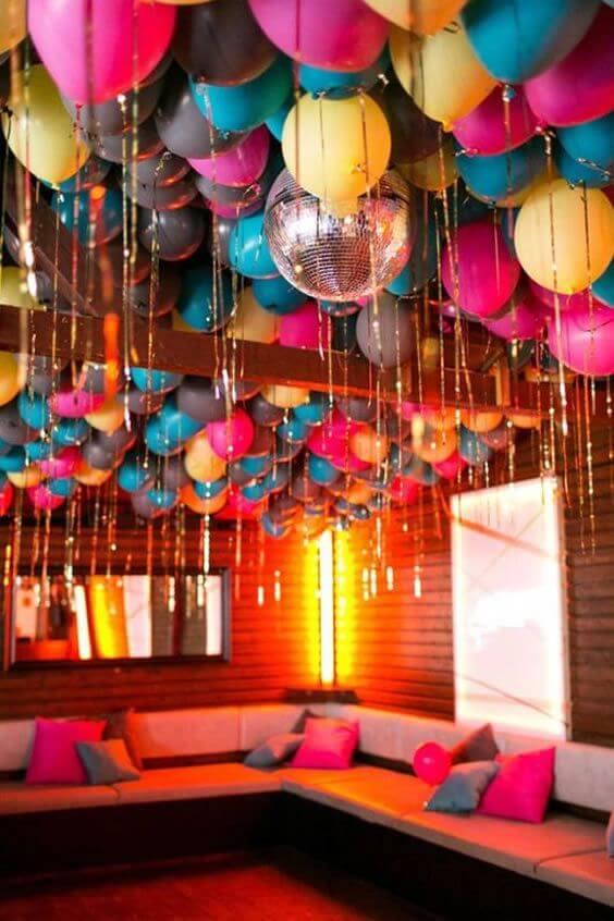 Decoração de festa árabe colorida