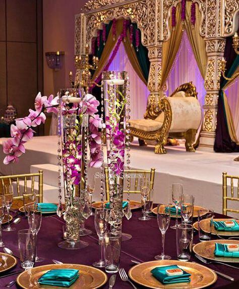 Decoração árabe roxo e dourado