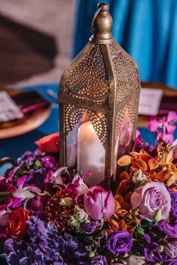 Enfeite para mesa de jantar com decoração árabe