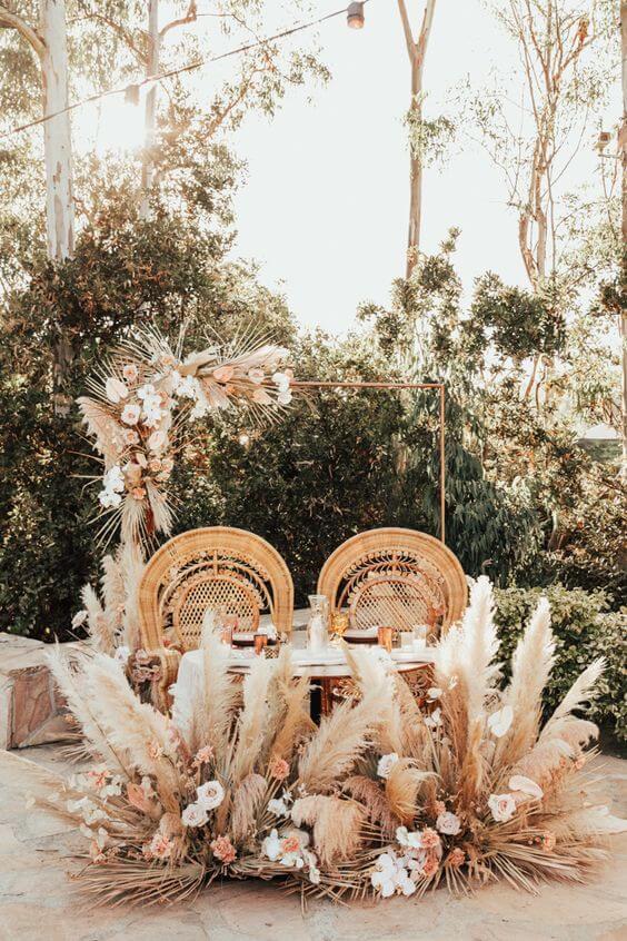Mesa de jantar casamento boho chic e planta capim dos pampas