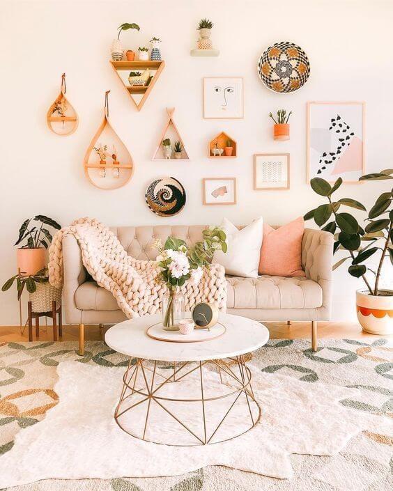Sala estilo boho chic decor com móveis vintage