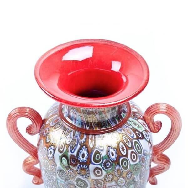Detalhes de ânfora vaso de murano