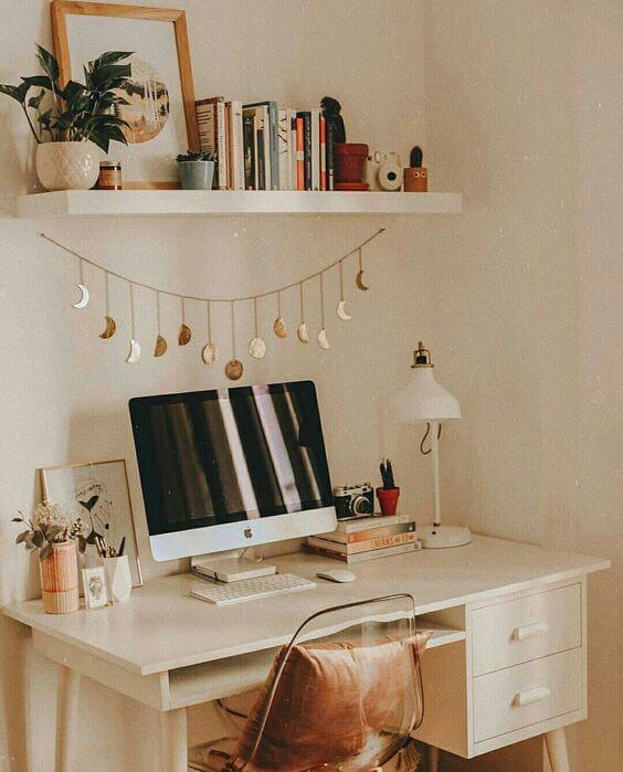 Escrivaninha decorada estilo boho chic
