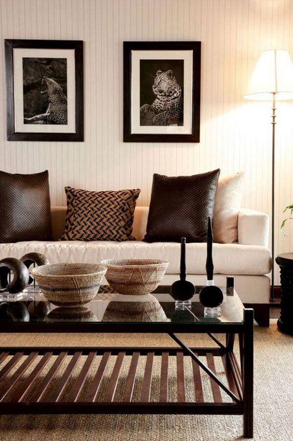 Sala de estar com estampas africanas