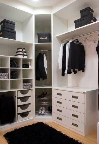 Guarda roupa de canto branco no closet
