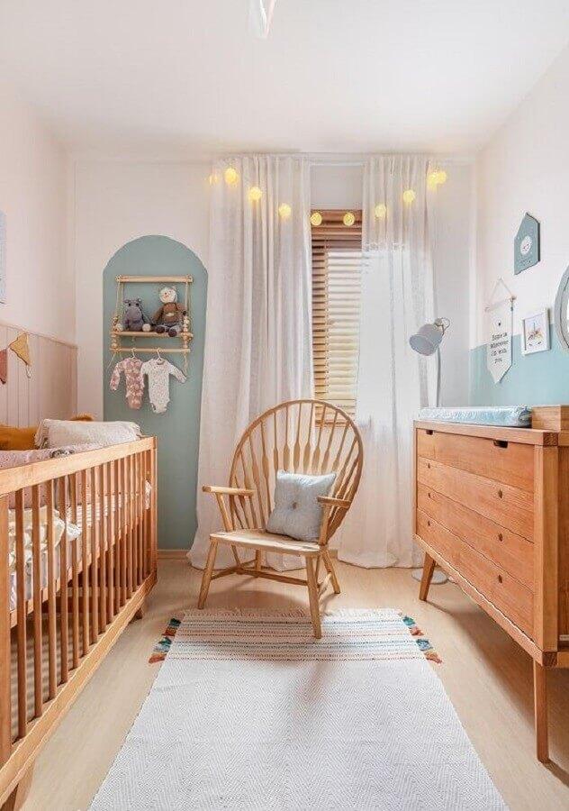 móveis de madeira para quarto de bebê pequeno Foto Histórias de Casa