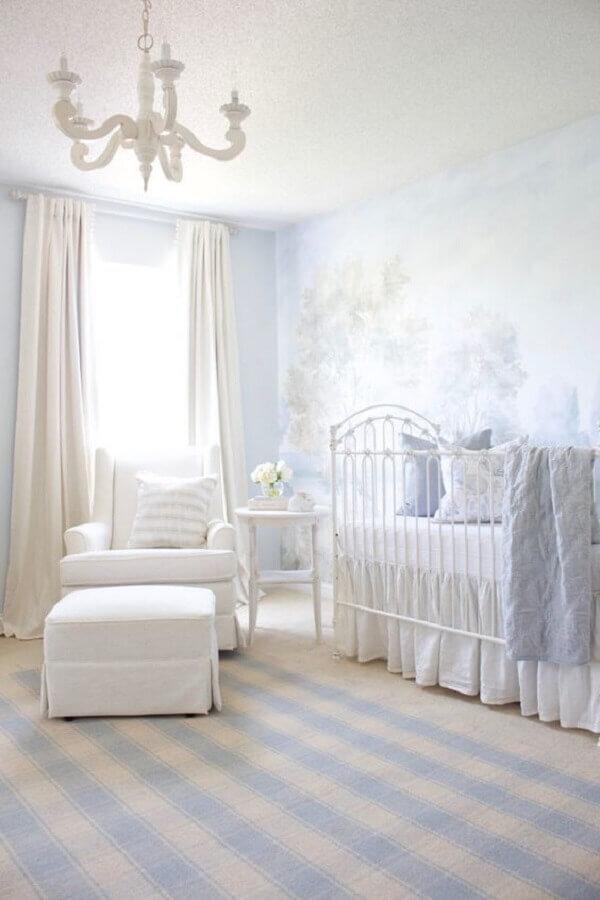 móveis para quarto de bebê branco com estilo clássico Foto Project Nursery