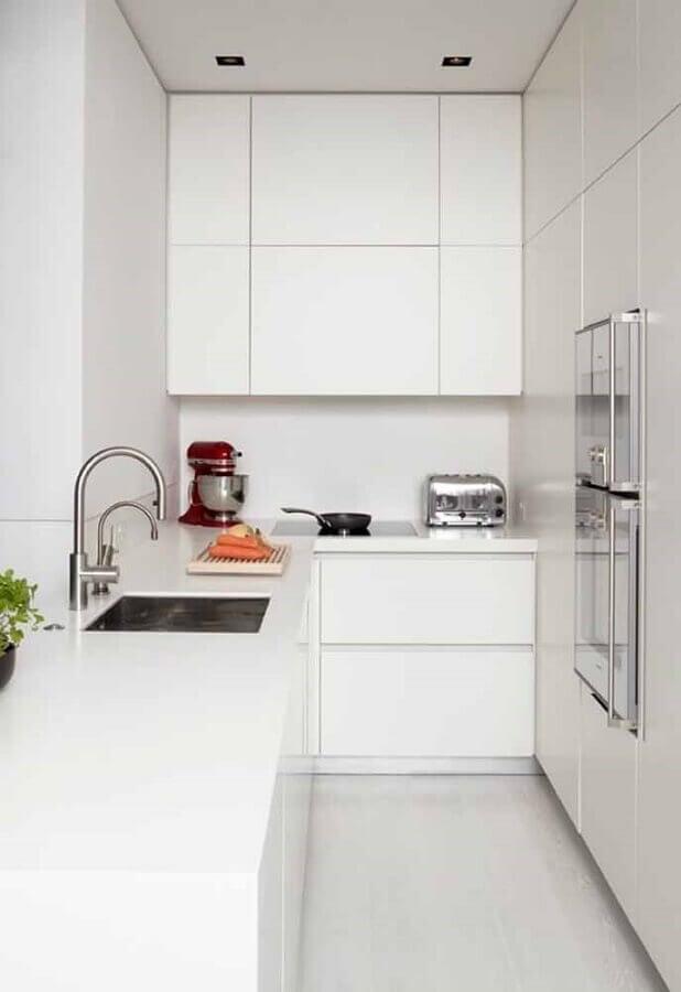 modelo de armário de cozinha pequeno branco planejado de canto Foto Apartment Therapy