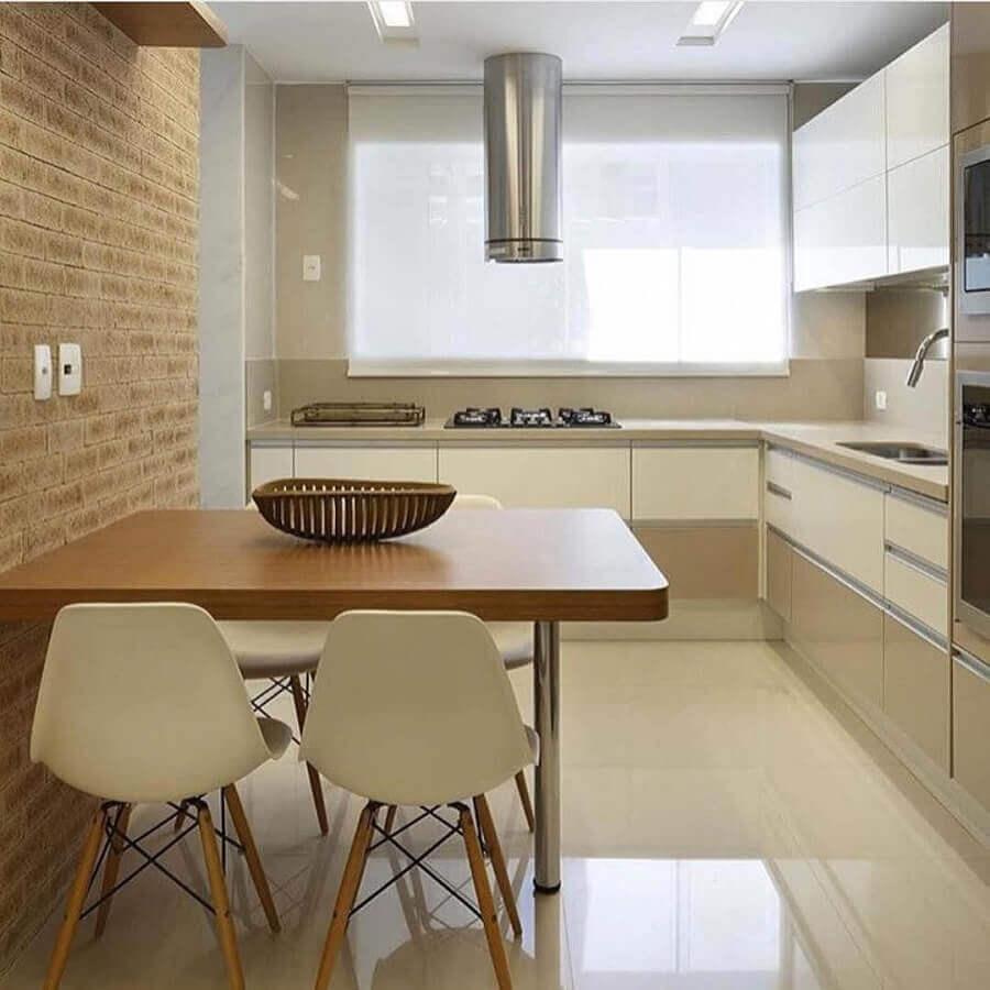 paleta de cores nude para cozinha planejada com mesa de madeira pequena Foto Pinterest