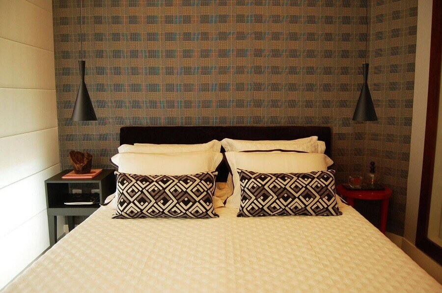 papel de parede para quarto decorado com criado mudo e pendente preto Foto Pinterest