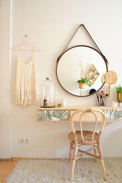 Penteadeira suspensa com espelho redondo