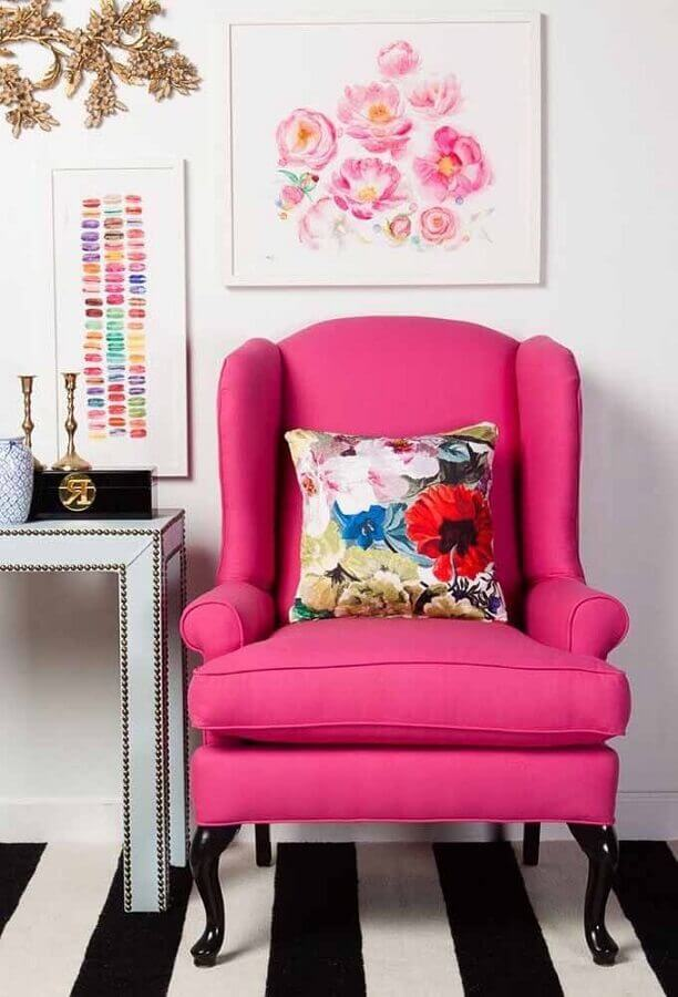poltrona cor de rosa Foto Behance