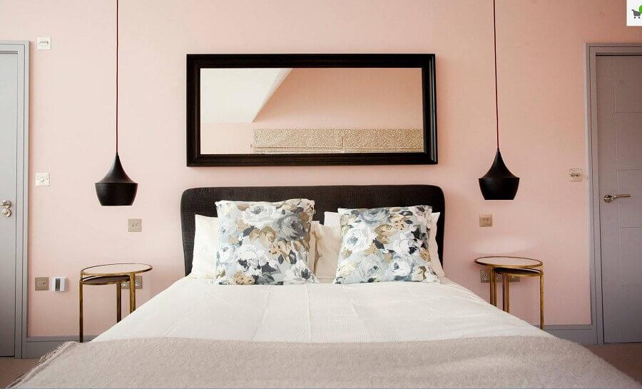 quarto decorado com parede cor nude rose Foto Houzz