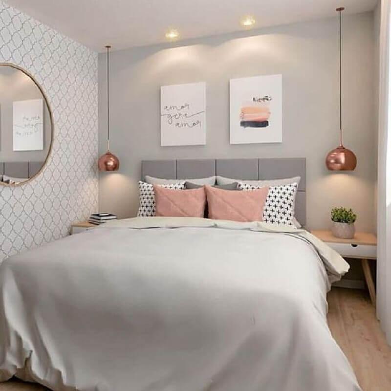 quarto feminino cinza decorado com cabeceira estofada e pendente rose gold Foto MdeMulher
