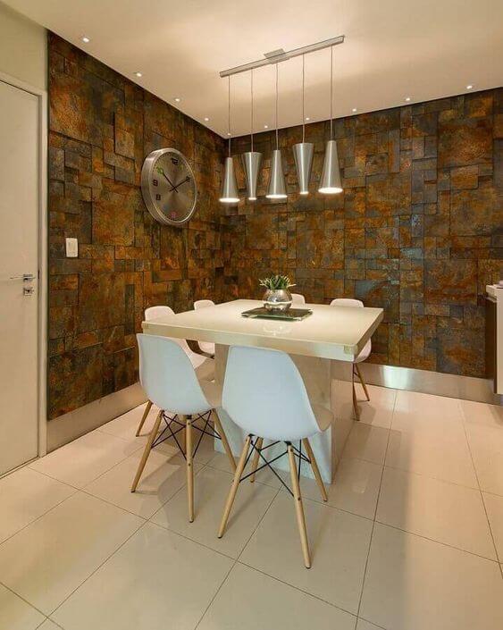 Revestimento para sala de jantar com pedra ferro
