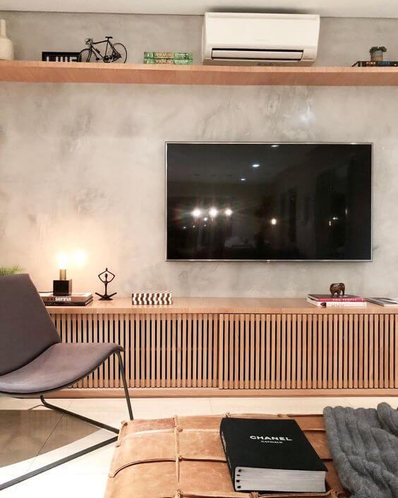 Revestimento para sala de estar com parede decorada