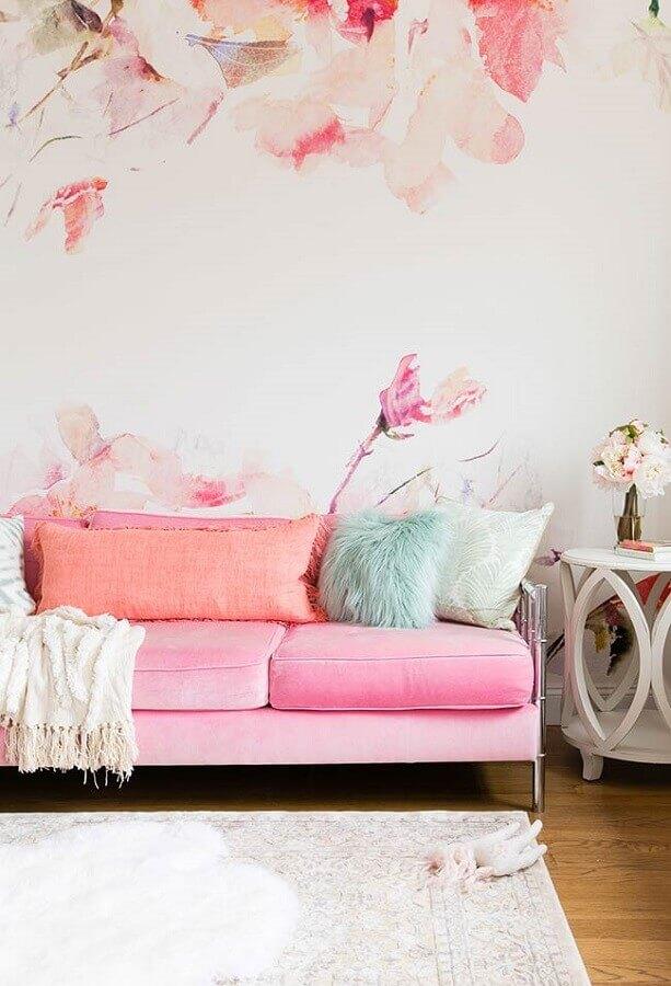 sala branca decorada com sofá cor de rosa Foto We Heart It