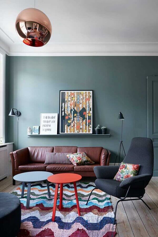 sala decorada com poltrona decorativa preta com design moderno Foto Houzz