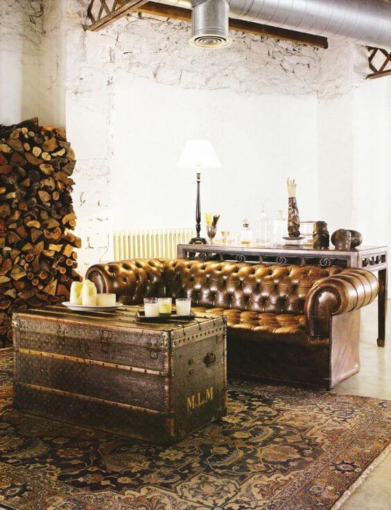 Sofá chesterfield couro na sala de estar