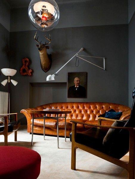 Sofá chesterfield couro marrom