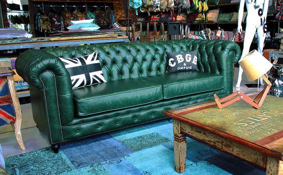 Sofá verde na decoração moderna