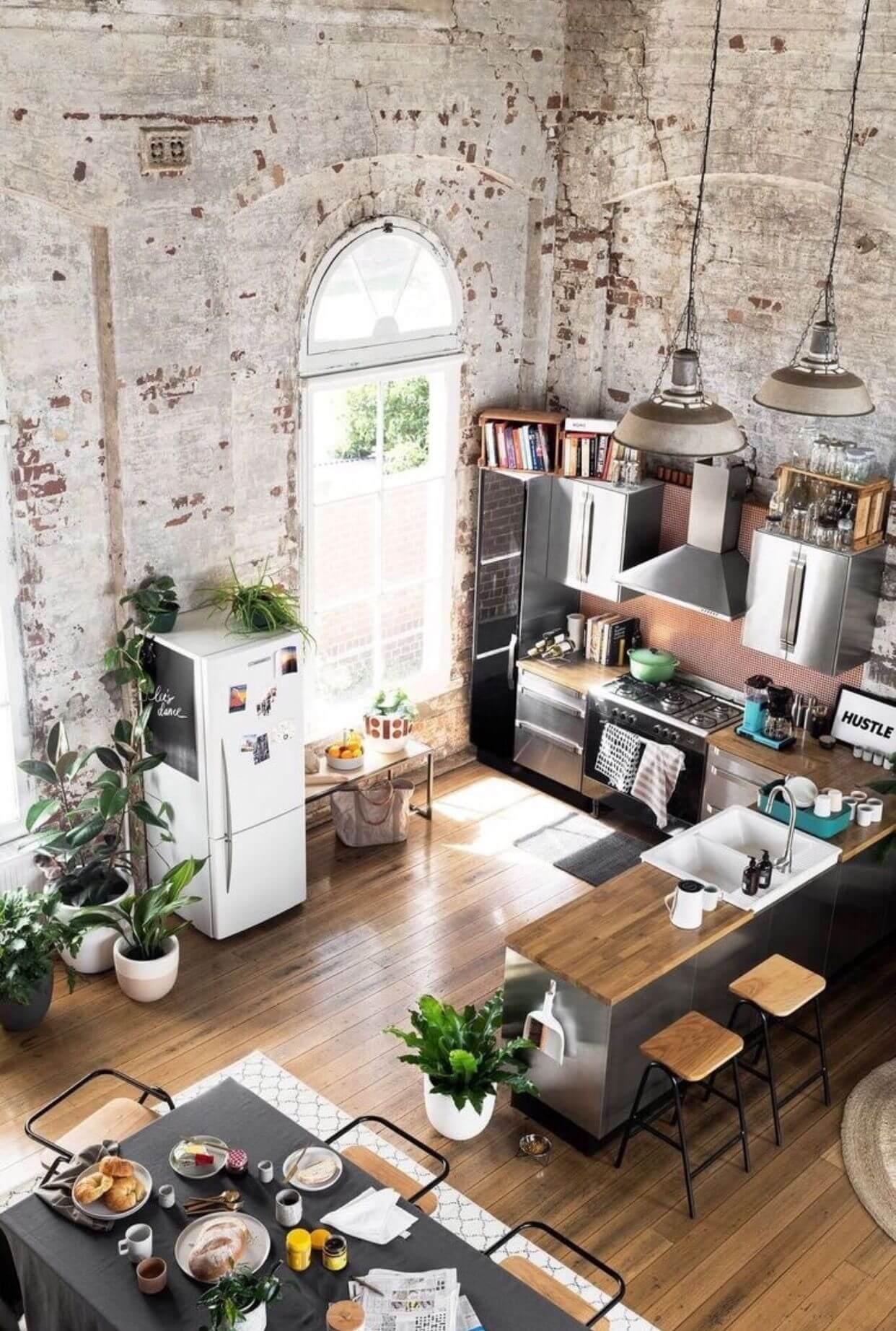 Casa com revestimento de tijolinho a vista branco rustico