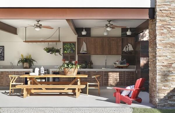 Área gourmet com decoração rústica