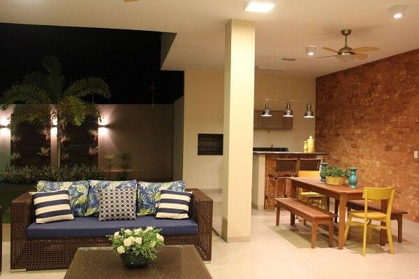 A decoração área gourmet rústica pode ser simples e discreta
