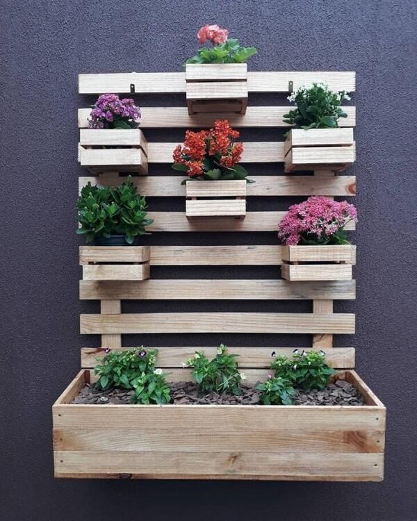 A floreira de parede pode assumir diferentes formatos