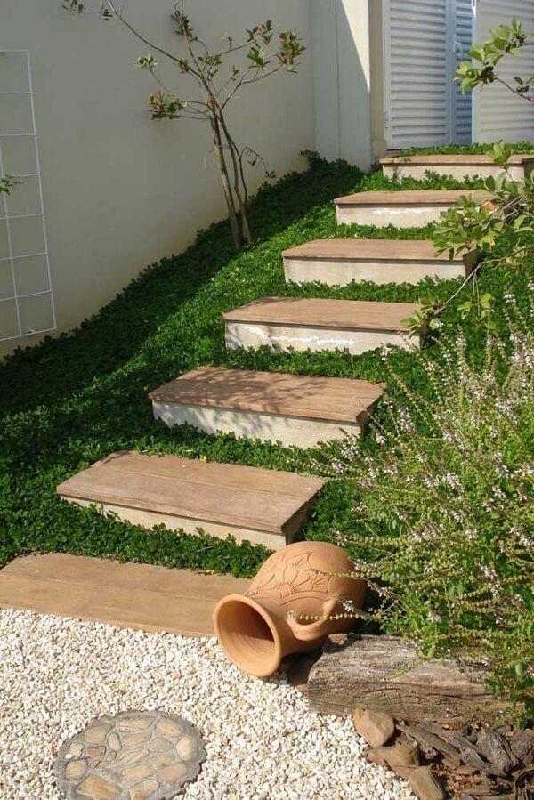A grama amendoim traz textura para o jardim