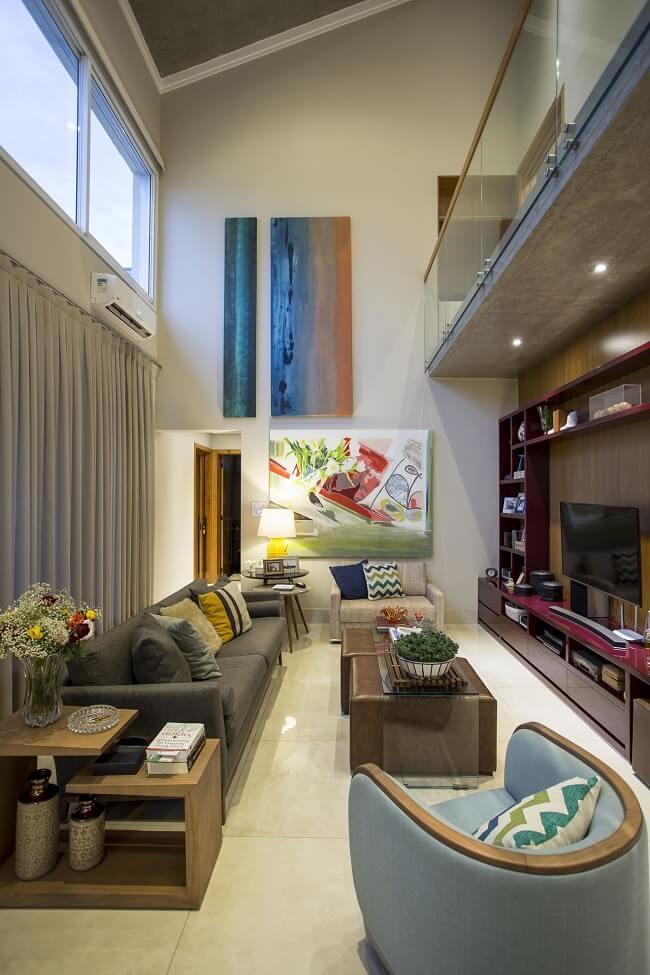 A limpeza e impermeabilização de sofá aumentam a vida útil do móvel
