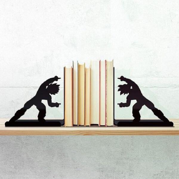 Aparador criativo com desenho do Dragon Ball