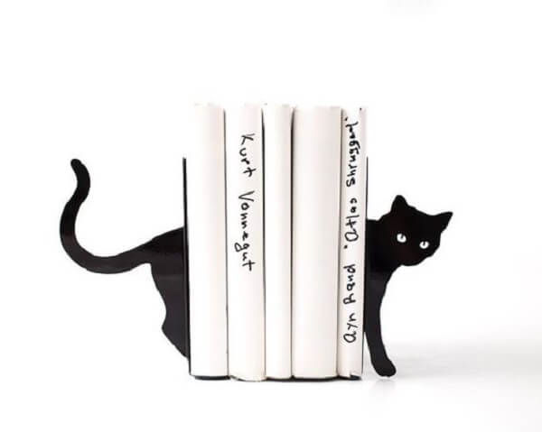Aparador criativo com formato de gato