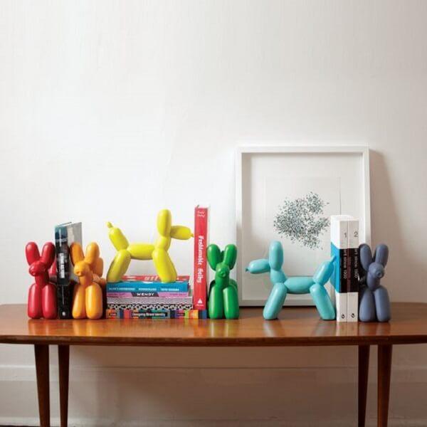 Aparador fofo de livros para decorar a estante