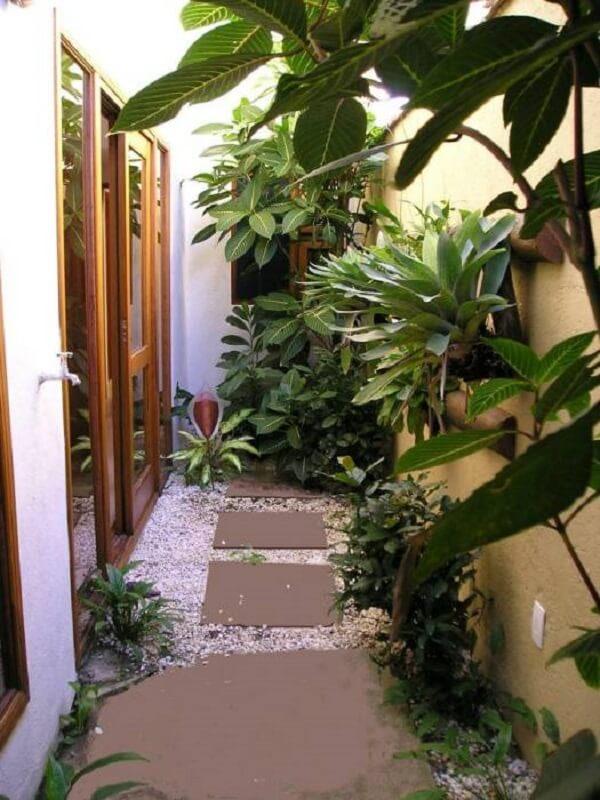 Aproveite o jardim de inverno no quarto para cultivar diferentes plantas