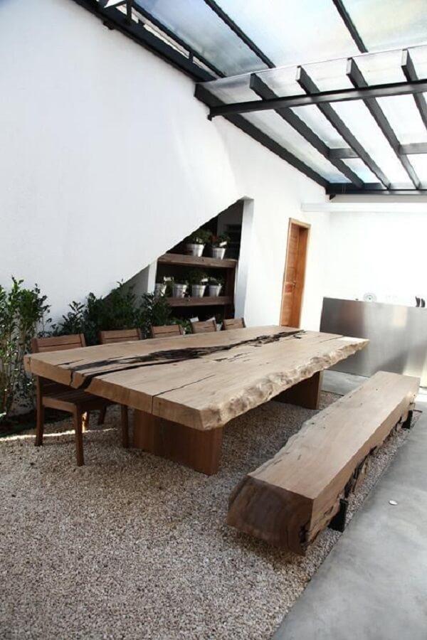 Conjunto de mesa e banco de madeira