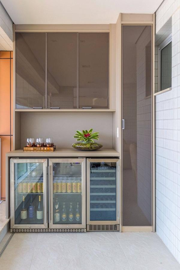 Geladeira cervejeira com porta de vidro