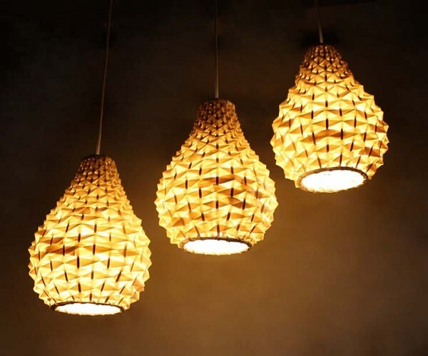 Luminária para área gourmet rústica feita de cúpulas com formato geométrico