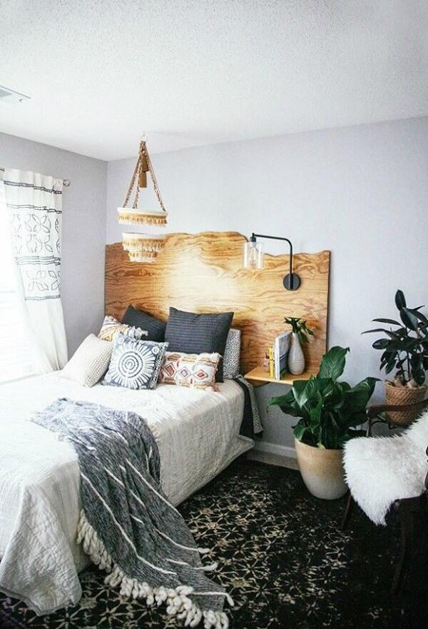 Modelo de cabeceira cama de viúva feita em madeira