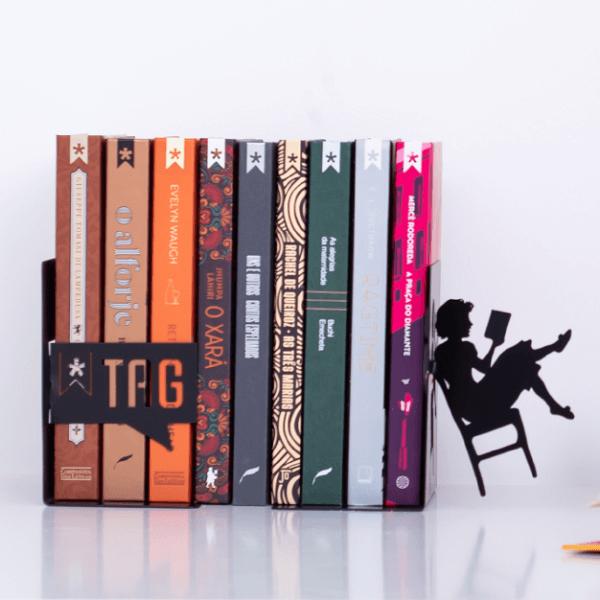 O aparador de livros para estante se destaca na decoração