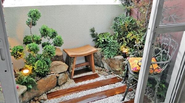 O banco traz um charme a parte para o jardim de inverno no quarto
