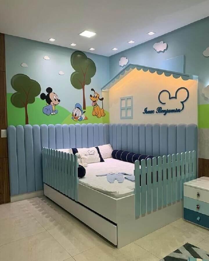Quarto lúdico decorado com cama infantil com proteção lateral Foto Home Fashion Trend
