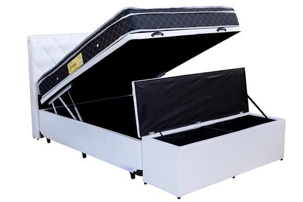 Que tal incluir no seu projeto o conjunto com cama de viúva com baú externo e cabeceira?