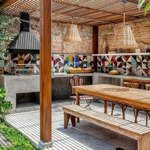 Revestimento colorido para a área gourmet rústica