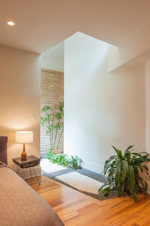 Traga frescor ao ambiente incluindo um jardim de inverno pequeno no quarto