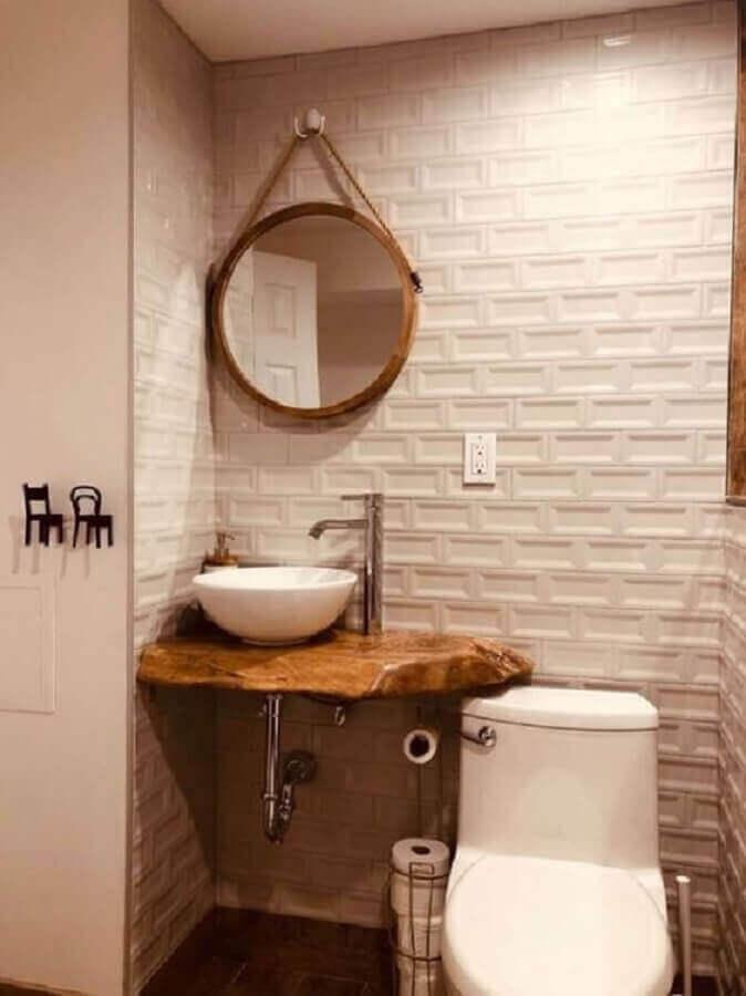 banheiro branco decorado com revestimento 3d e espelho redondo para banheiro com alça Foto Pinterest