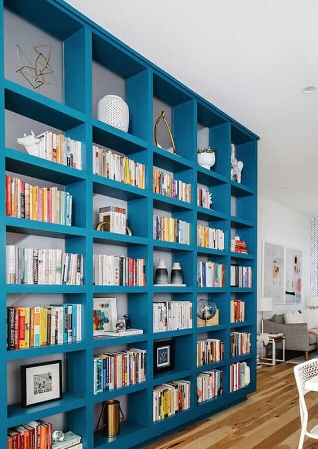 casa decorada com estante de nichos azul planejada Foto Pinterest