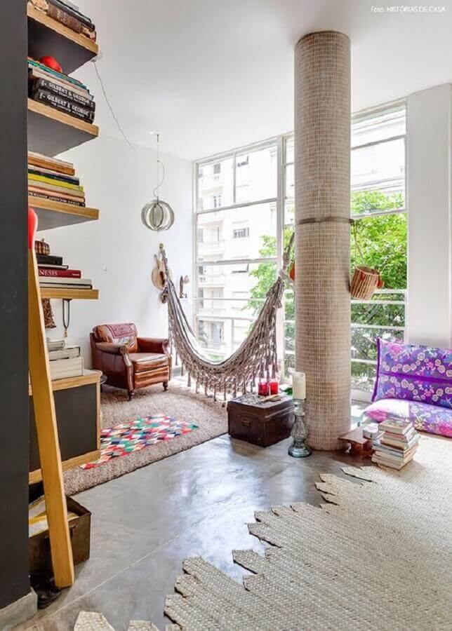 casa simples decorada com rede de descanso Foto Follow the Colours