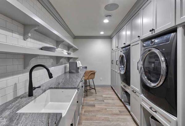 Lavandeira com cores de granito cinza